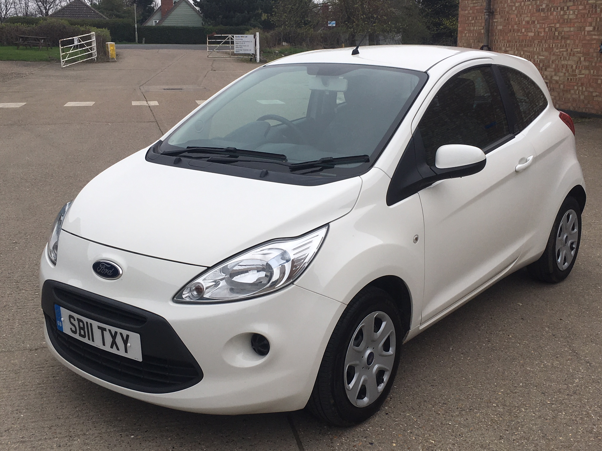 ford ka 1 2 edge 3dr 2011 sold willow car sales newmarket. Black Bedroom Furniture Sets. Home Design Ideas